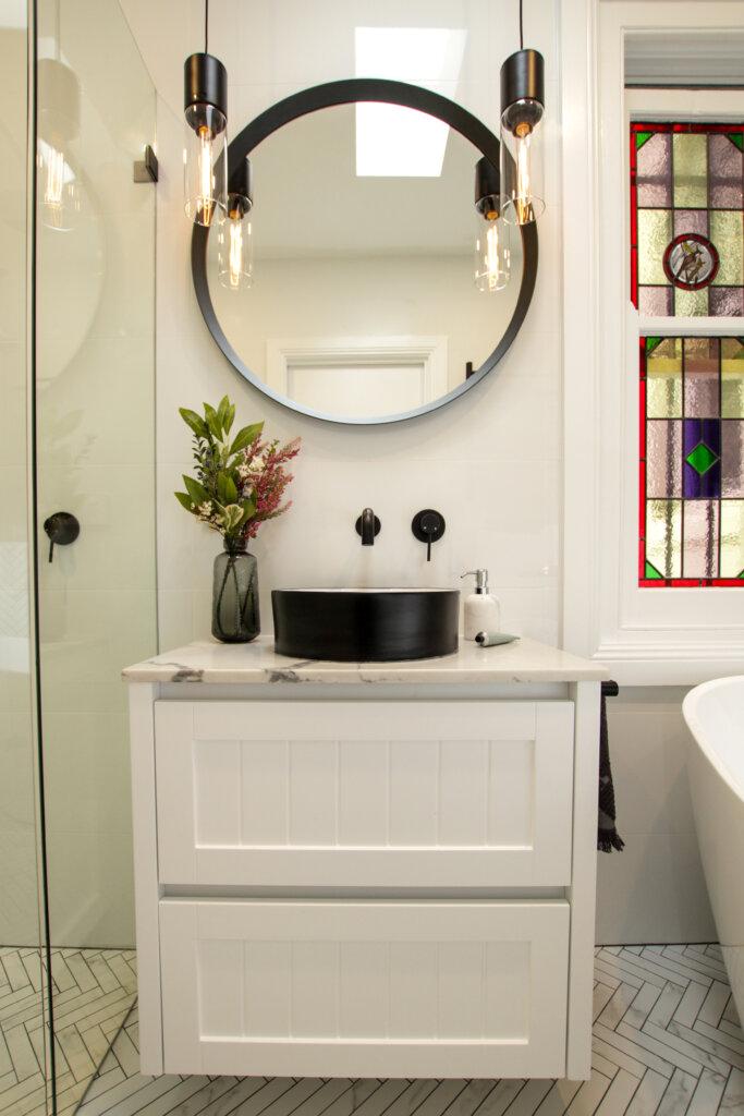 10 Small Bathroom Renovation Ideas for City Apartments